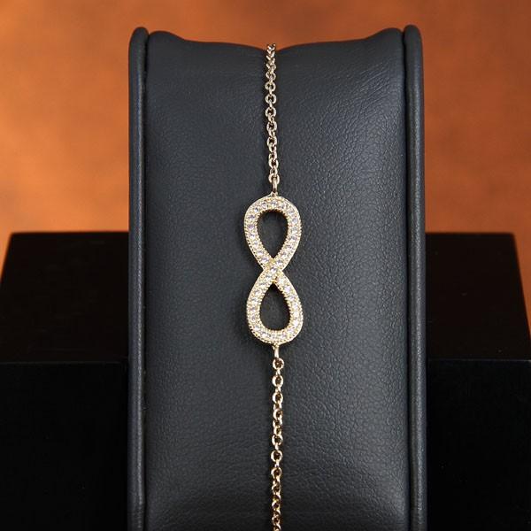bracelet infinity plaqu or et oxyde de zirconium. Black Bedroom Furniture Sets. Home Design Ideas