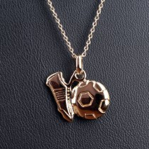 collier ballon de foot plaque or