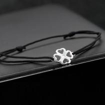 bracelet cordon argent trefle à quatre feuilles